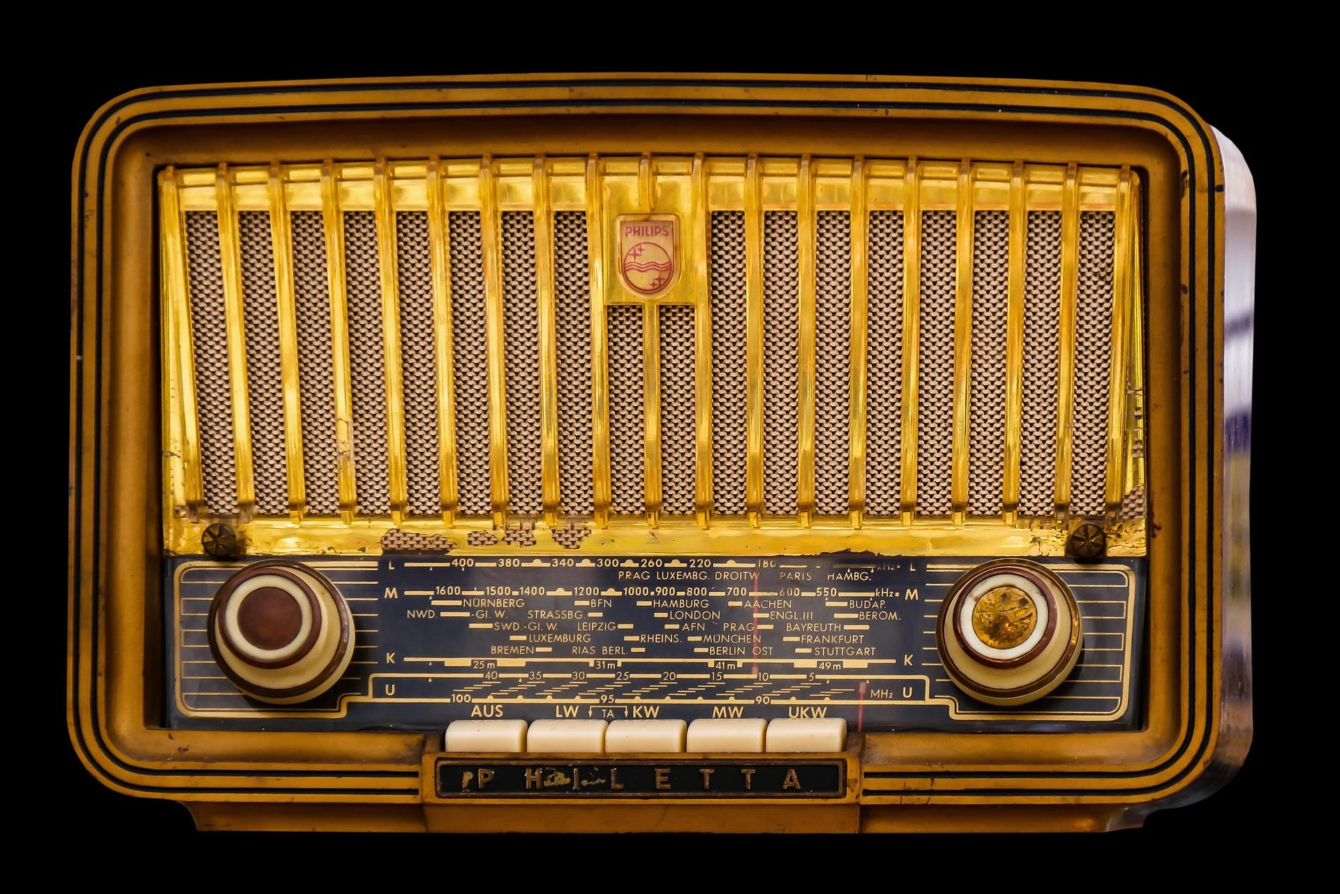 Historischer Radioempfänger